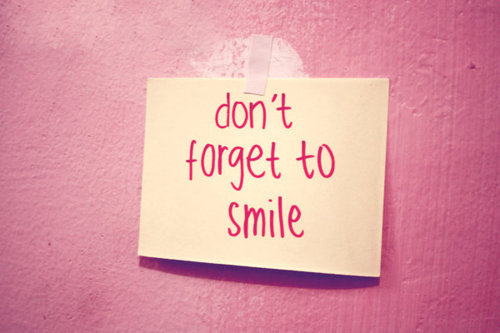 pink-post-it-smile-text-Favim.com-348848
