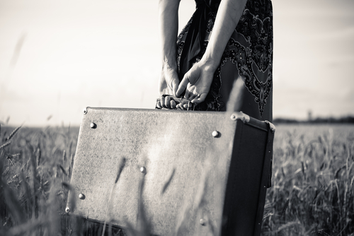 femeie-valiza