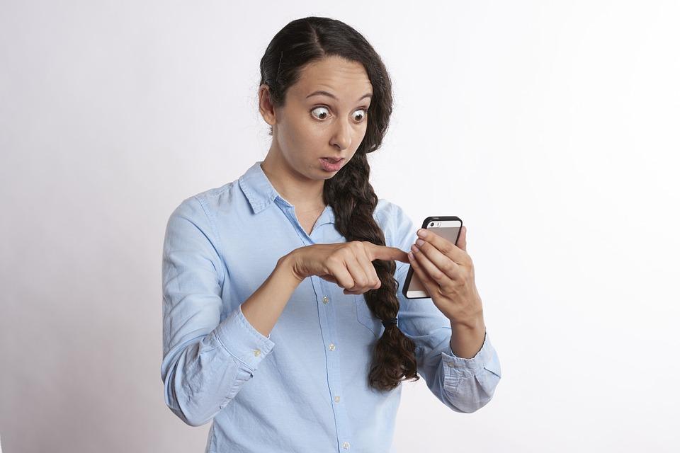 datoria femeii de a căuta bărbatului în telefon miruna ioani