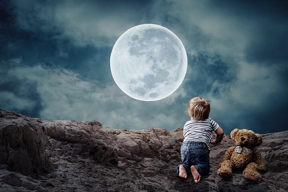 Copiii nu nici vor luna de pe cer, nici clătita din gunoi