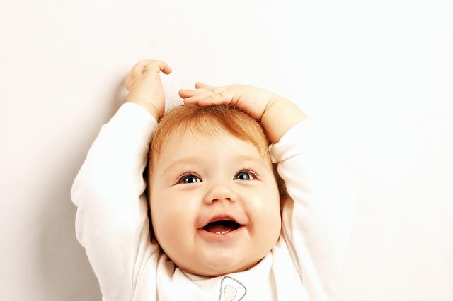 Râsul e coloana sonoră a distracției - Cum îl fac pe bebelușul meu să râdă miruna ioani