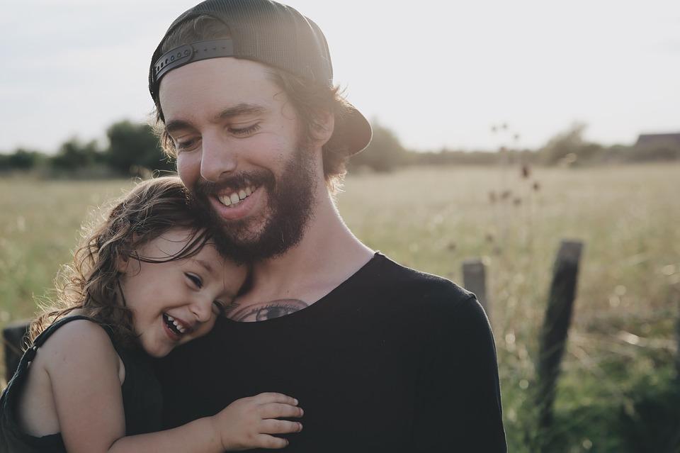 relație apropiată tatăl miruna ioani