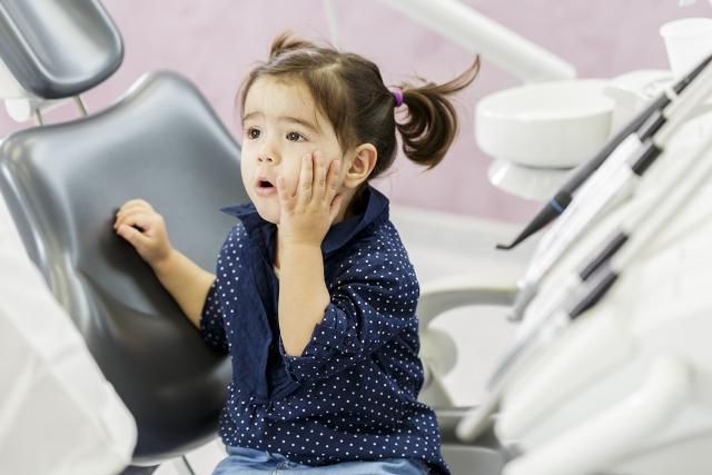 Cum să ajuți copilul să nu aibă frică de spital, de medic și dentist miruna ioani