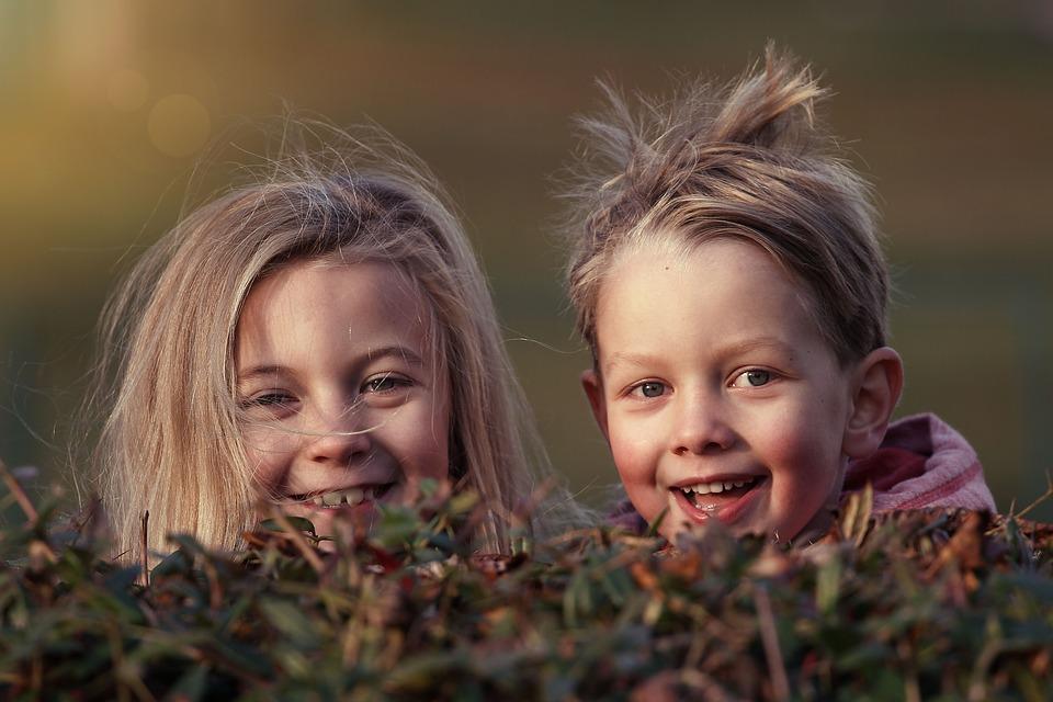Construim o lume mai bună prin copiii noștri minunați