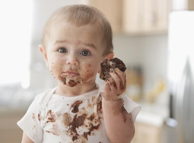 prima dată când copilul meu mănâncă ciocolată miruna ioani
