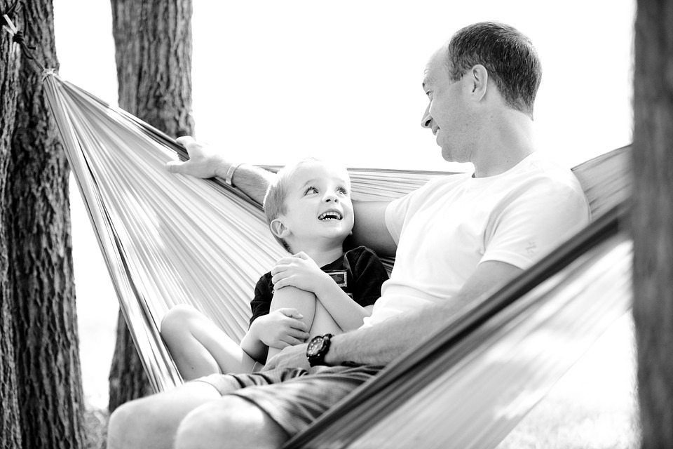 tatăl intră în viața copilului 3 ani miruna ioani