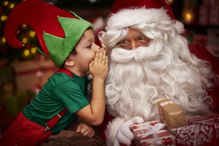 Înțeleg acum de ce le spunem adevărul despre moș Crăciun. E greu al naibii să nu te încurci în povești! miruna ioani