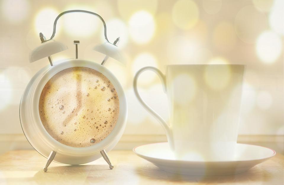 Diminețile sunt grele de când suntem noi doi și o alarmă miruna ioani