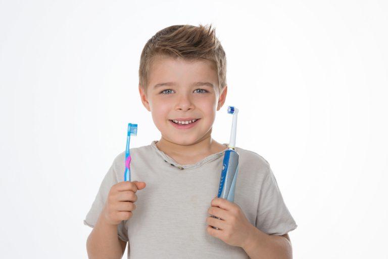 Periuța electrică la copii sub 3 ani, un pericol real sau inventat miruna ioani