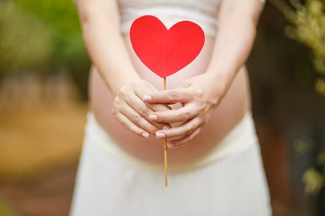 Fă-i însărcinată Bunul simț și empatia n-au vârstă sau etnie miruna ioani