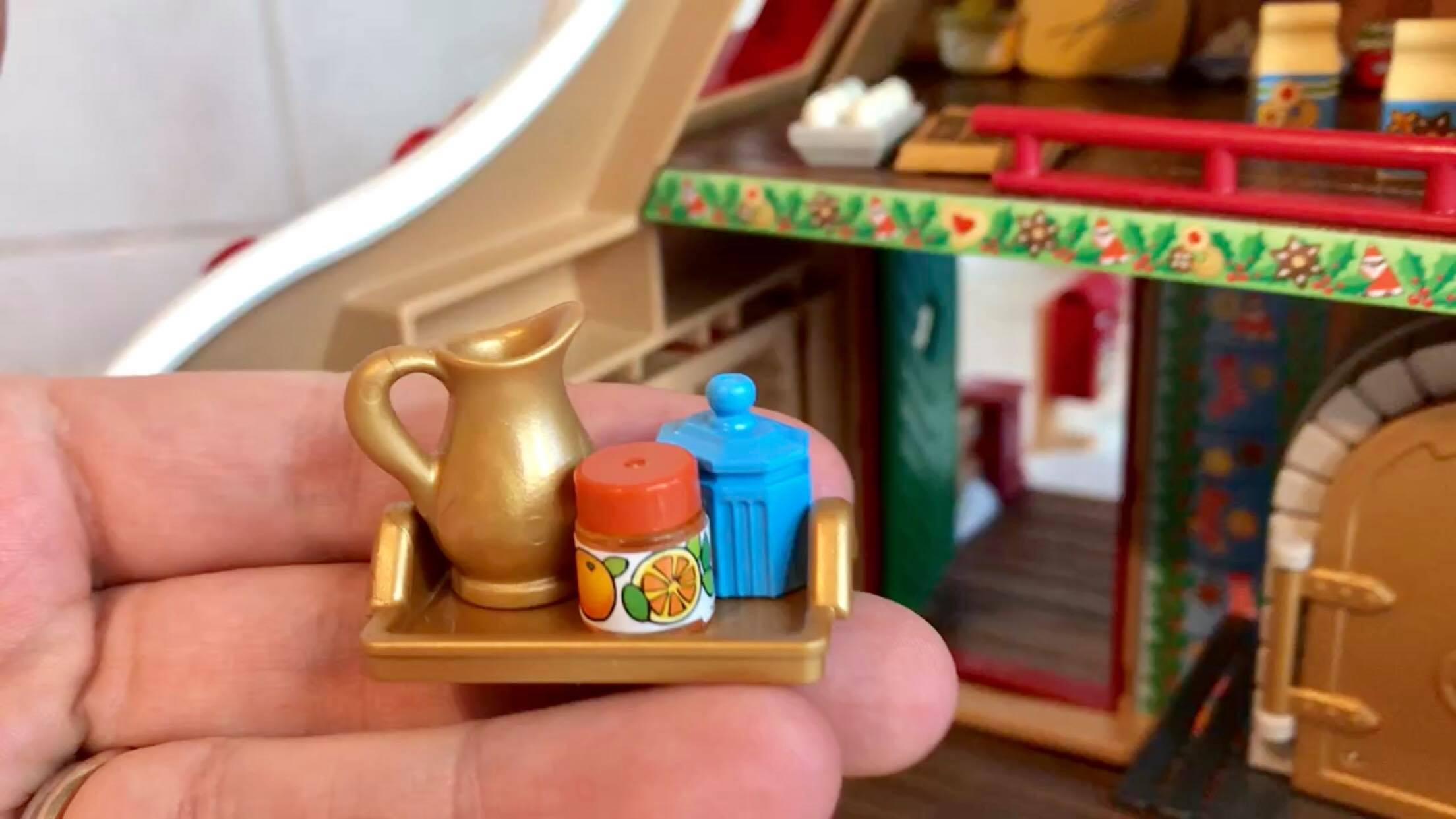 Uite un cadou frumos de-ți vine să-l mănânci, pentru copii de peste 4 ani, fascinați de Moș Crăciun miruna ioani