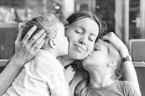 Într-o zi, voi scrie un articol despre cum viața cu doi copii e minunată și atât miruna ioani