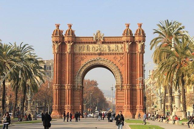 Prietena mea închiriază ieftin apartament în Barcelona, dacă vreți un concediu frumos miruna ioani