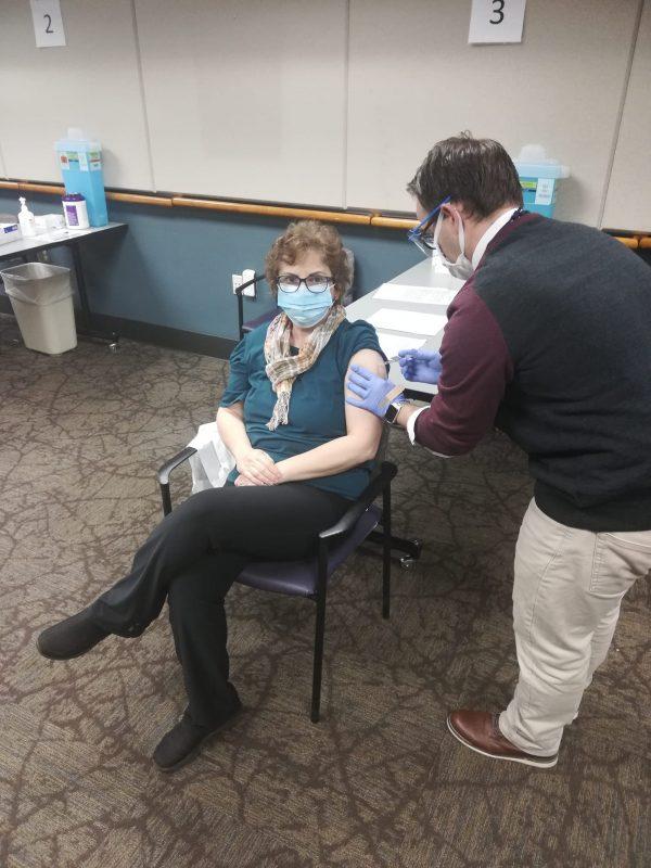 români vaccinați anti-covid miruna ioani